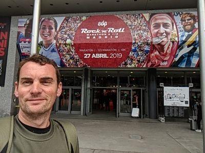 Recoger el dorsal en el Maratón de Madrid