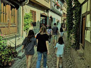 Pasear por las preciosas calles de Eguisheim Alsacia