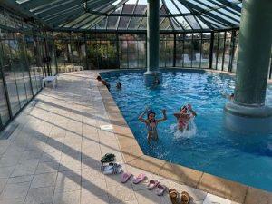 En la piscina del hotel Pierre et vacances Le clos d'Eguisheim