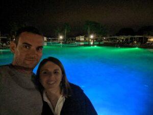 Selfie junto a la piscina del hotel Ona Marrakech