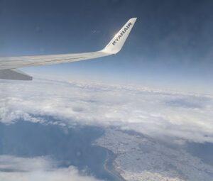 Vistas por la ventanilla del avión Ryanair Valencia Marrakech