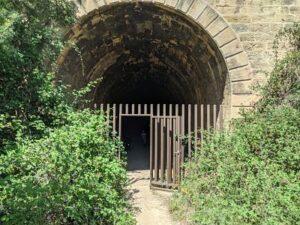 Salida del túnel del equinoccio. Via verde val de zafan